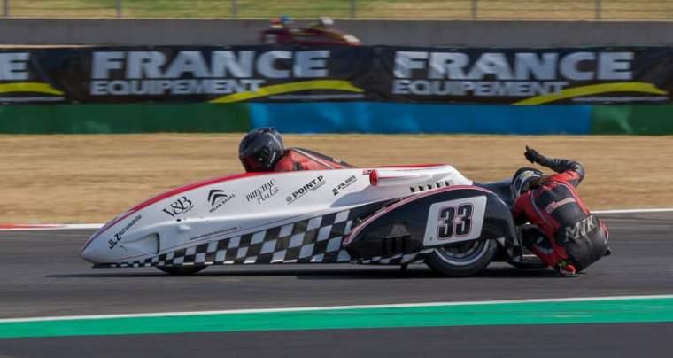 Emmanuelle CLEMENT, passagère side-car, 5 <sup>e</sup> manche du Championnat de France Superbike, Circuit de Magny-Cours
