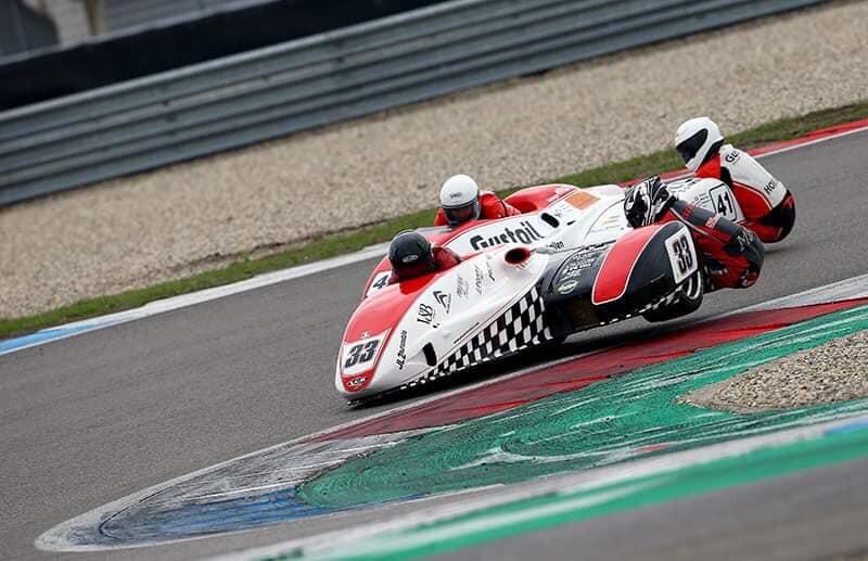 Emmanuelle CLEMENT, passagère side-car, 4 <sup>e</sup> épreuve du Championnat du Monde Sidecar à Assen